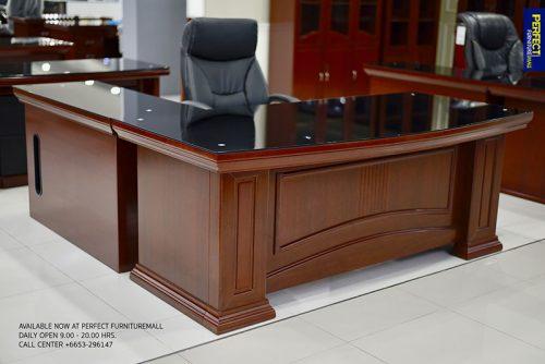 โต๊ะผู้บริหารRoman1